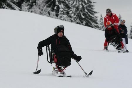 David Proud sit skiing